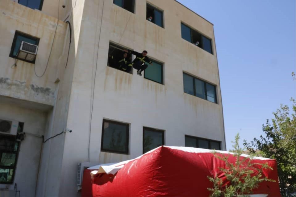 مانور امداد و نجات در کازرون/ عکس: ظفر انصاری